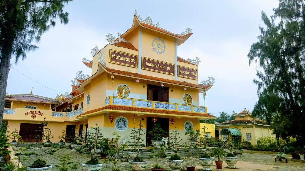 , Top 10 ngôi chùa đẹp ở Bến Tre được nhiều du khách tìm đến nhất
