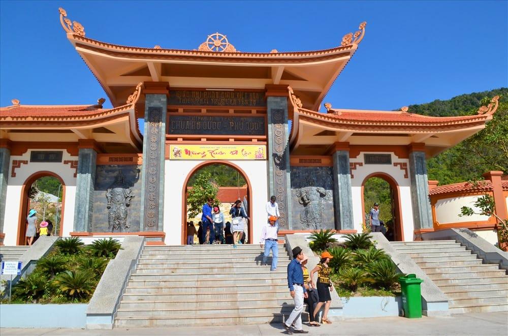 , Top 8 chùa đẹp ở Phú Quốc khiến du khách nao lòng