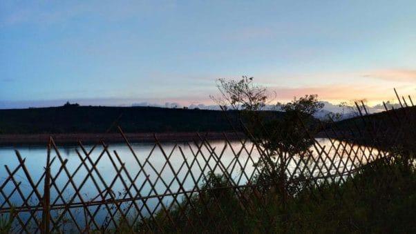 Homestay Bờ Hồ là nơi có sơn thủy hữu tình, phong cách ở đây vô cùng đẹp, không gian lại yên tĩnh, lắng đọng