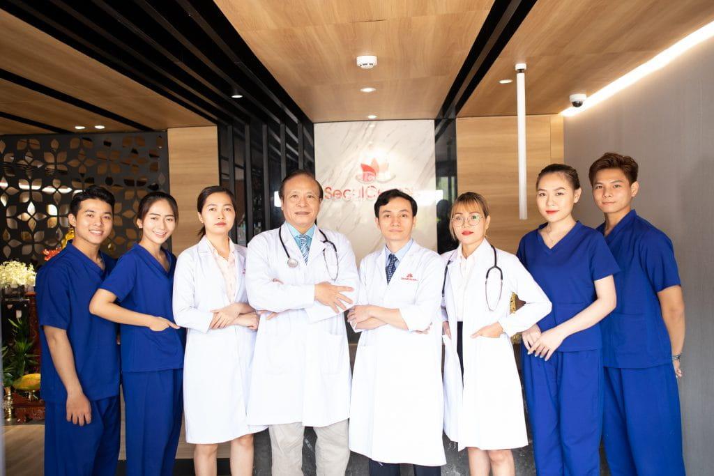 Đội ngũ bác sĩ có nhiều năm kinh nghiệm trong nghề thẩm mỹ